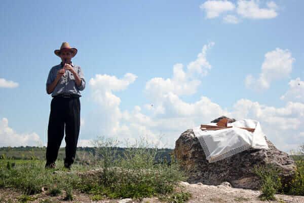 I Moldova hos huleboere og synge/dansepiger