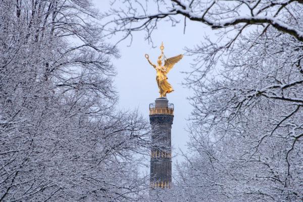 Siegessule Berlin im Winterkleid