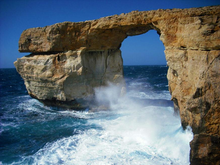 Sejltur på Gozo – i en lille båd der gynger