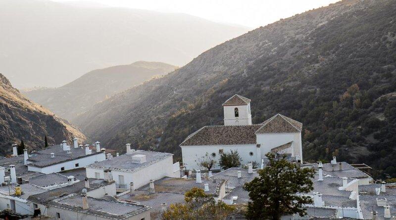 Den lille landsby Capileira ligger 1440 moh i Las Alpujarras, Andalusien. Foto: Karin Møller-Olsen